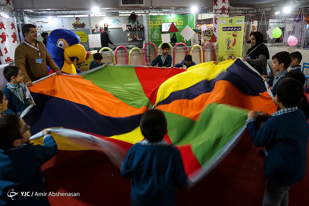 ضرورت آموزش اهداف طرح اتاق اسباب بازی به والدین/ تبیین غیر مستقیم مهارتهای زندگی به دانش آموزان