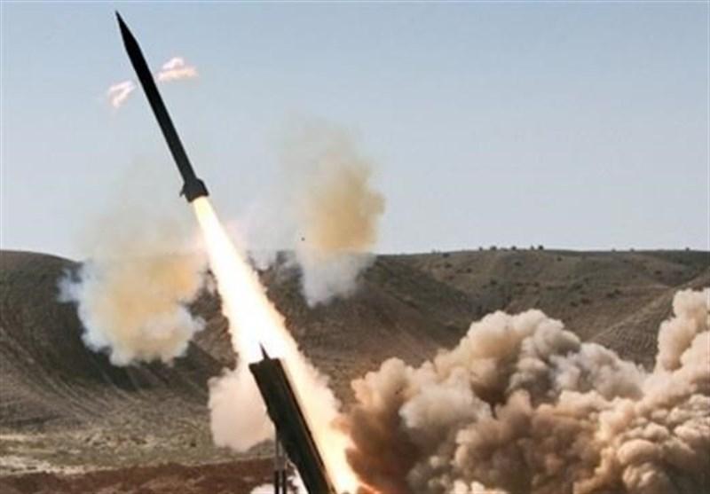 یمنیها مواضع متجاوزان سعودی را با موشک زلزال-۱ هدف قرار دادند