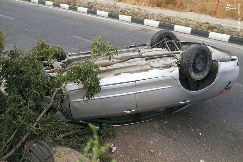 ۲ کشته و ۲ مصدوم دراثر واژگونی خودرو در خداآفرین