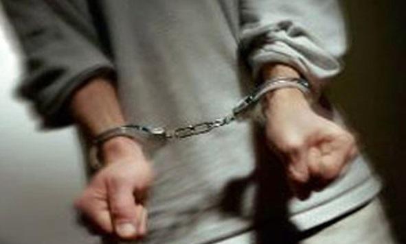 بازداشت سارق لوازم داخلی خودرو با ۵ قطعه اموال مسروقه