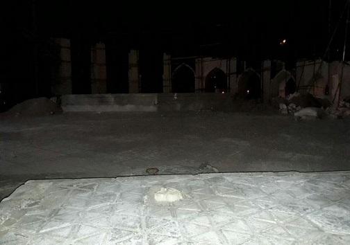قطع شبانه درختان ۴۰ ساله برای ساخت المان شهری در میدان جمهوری اسلامی نایین + تصاویر