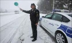 بارش برف، لغزندگی و مه آلودگی محورهای استان زنجان