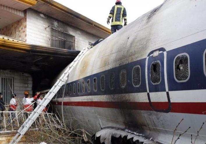 فیلم جدید از محل سقوط هواپیمای باری در کرج