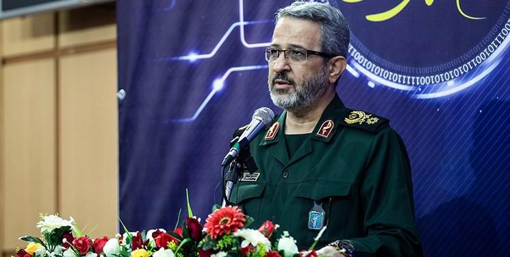 حرکت انقلاب اسلامی متوقف نمیشود/ رسانهها در صیانت از انقلاب وظیفه دارند
