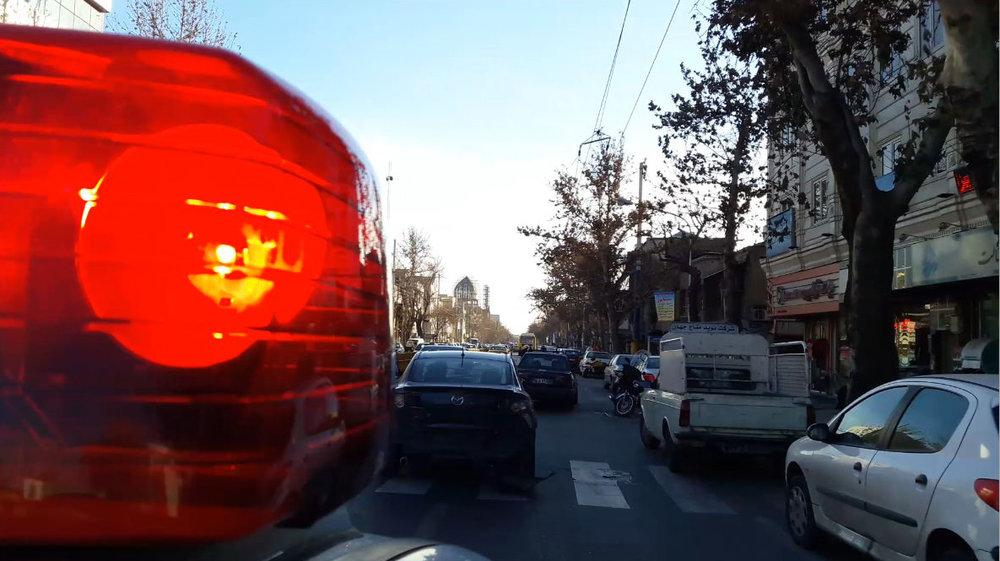 فرار متهم بدون توجه به دستور ایست پلیس + فیلم