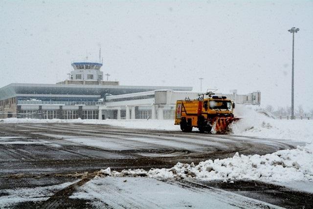نظارت سازمان هواپیمایی بر عملیات زمستانی فرودگاهها
