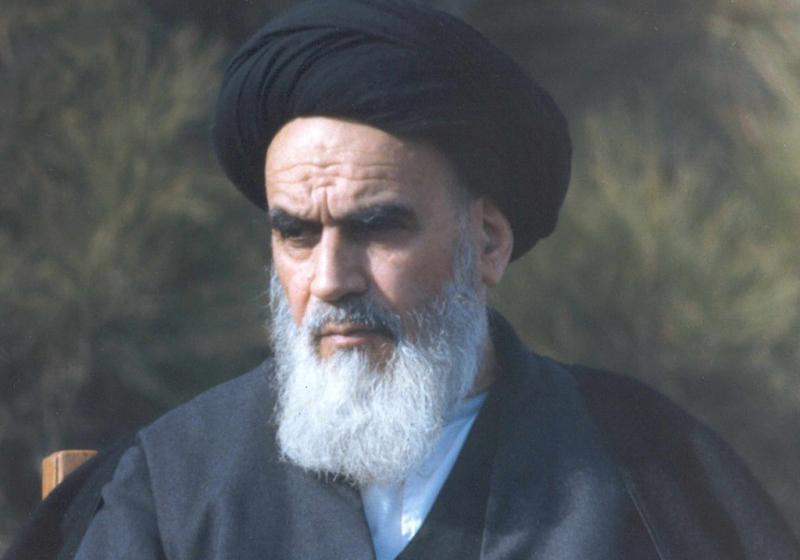اولین بیانات امام خمینی(ره) در نوفل لوشاتو بعد از فرار شاه