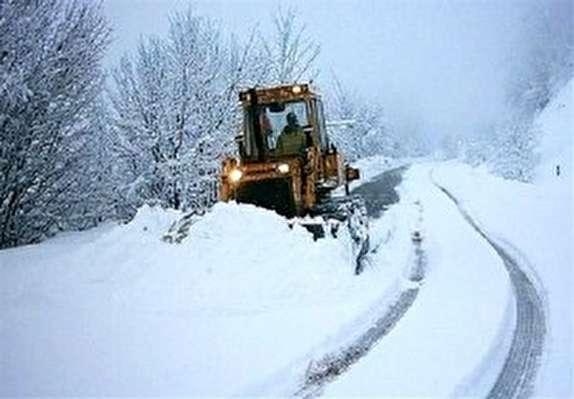 باشگاه خبرنگاران -برف راه ارتباطی ۶۰ روستای سلسله را مسدود کرد
