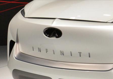 نمایشگاه دیترویت ۲۰۱۹ | آسیب دیدن خودروی مفهومی اینفینیتی QX اینسپریشن قبل از مراسم رونمایی +تصاویر