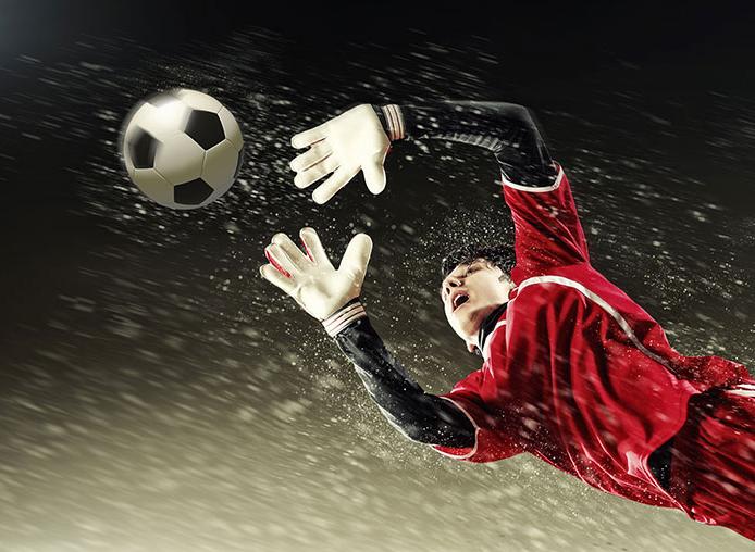 تماشاییترین سیوهای دروازه بانان در دنیای فوتبال+ فیلم