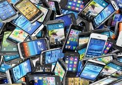 کاهش ۲۵ درصدی قیمت در انتظار بازار تلفن همراه/توزیع ۱۳۰ هزار گوشی توقیف شده در گمرک