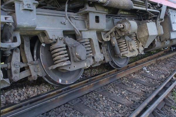 خارج شدن قطاری باری از ریل در محدوده محور بیاض