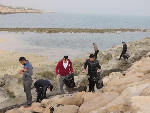 پاکسازی ساحل جزیره خارگ