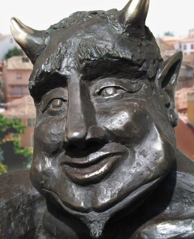 رونمایی از مجسمه عجیب شیطان در اسپانیا خبرساز شد+ تصاویر