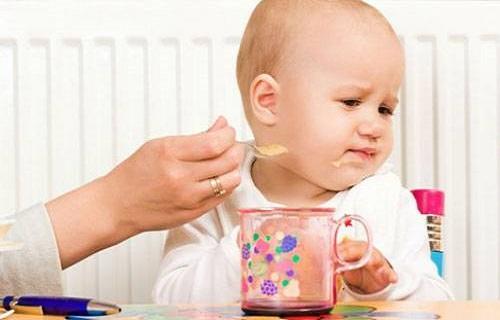 با این مایع شیرین 6 بیماری را درمان کنید/نفخ را با این سبزی از بین ببرید/خوراکی مفید برای از بین بردن جوش صورت