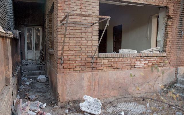 خبرنگار: کاظمی/خانه 12 میلیارد تومانی نیما یوشیج در آستانه تخریب / میراث فرهنگی ناتوان از خرید خانه