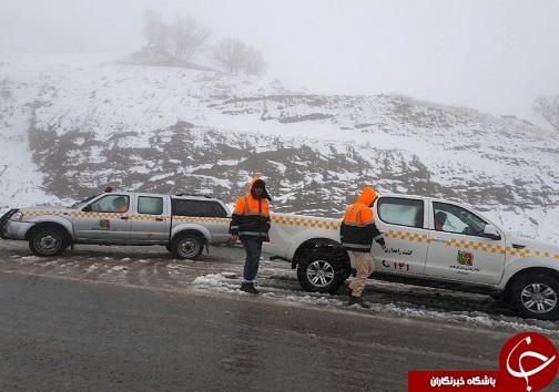 تلاش راهداران برای برف روبی جادههای لرستان + تصاویر