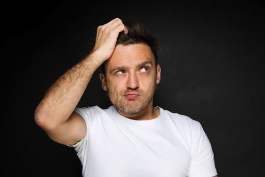 ۱۲ رفتار مردانه که زنها از آن متنفرند