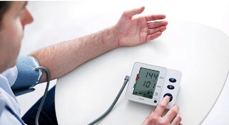 فشار خون نرمال چه عددی است/ چند راهکار ساده برای مقابله با مرگ خاموش