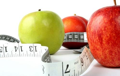 با نوشیدن آب بیشتر شانستان را برای لاغر ماندن افزایش دهید/چگونه به لاغری دست یابیم؟