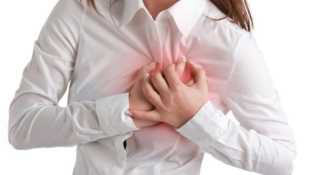 علائم حمله قلبی در خانمها که از آنها بیخبرید+ راهکارهای پیشگیری و درمان بیماری قلبی