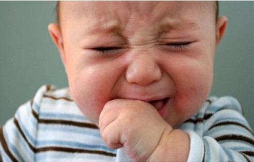علت گریههای مداوم کودک چیست؟
