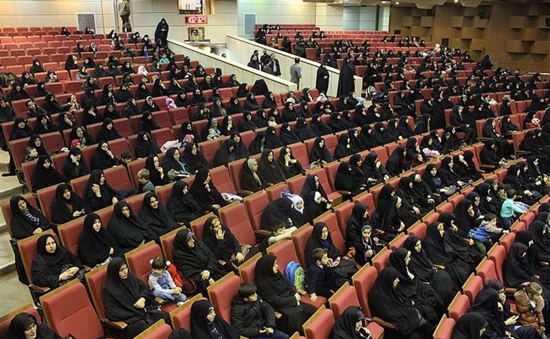 ۸۰ درصد حافظان قرآن کریم ایران را بانوان تشکیل میدهند