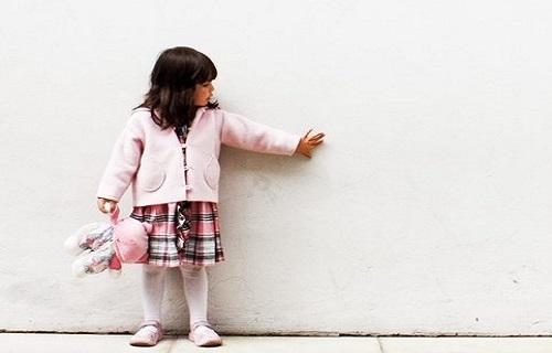 والدین در برابر دوست خیالی کودکان باید چگونه رفتار کنند؟