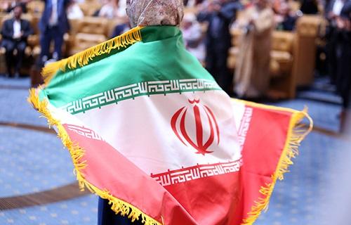 آیندهای درخشان در انتظار ایران/ متخصصان امروز تربیت یافته انقلاب هستند/ وضعیت کنونی کشور قابل مقایسه با گذشته نیست