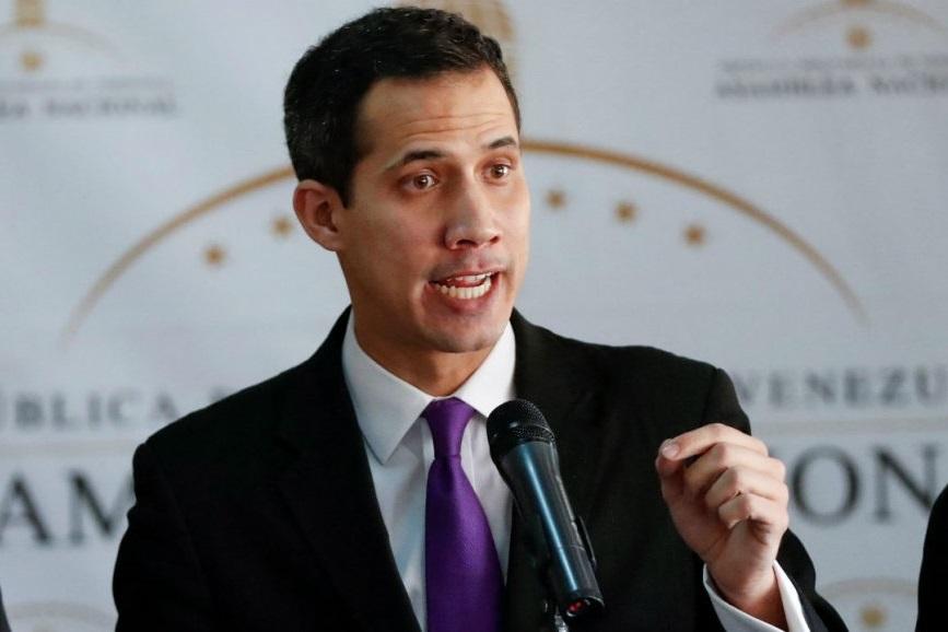 دموکراتهای آمریکا از درخواست گوایدو برای مداخله نظامی در ونزوئلا انتقاد کردند