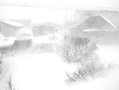 بارش مسدود شدن جادهها در تبت بر اثر کولاک شدید + فیلم