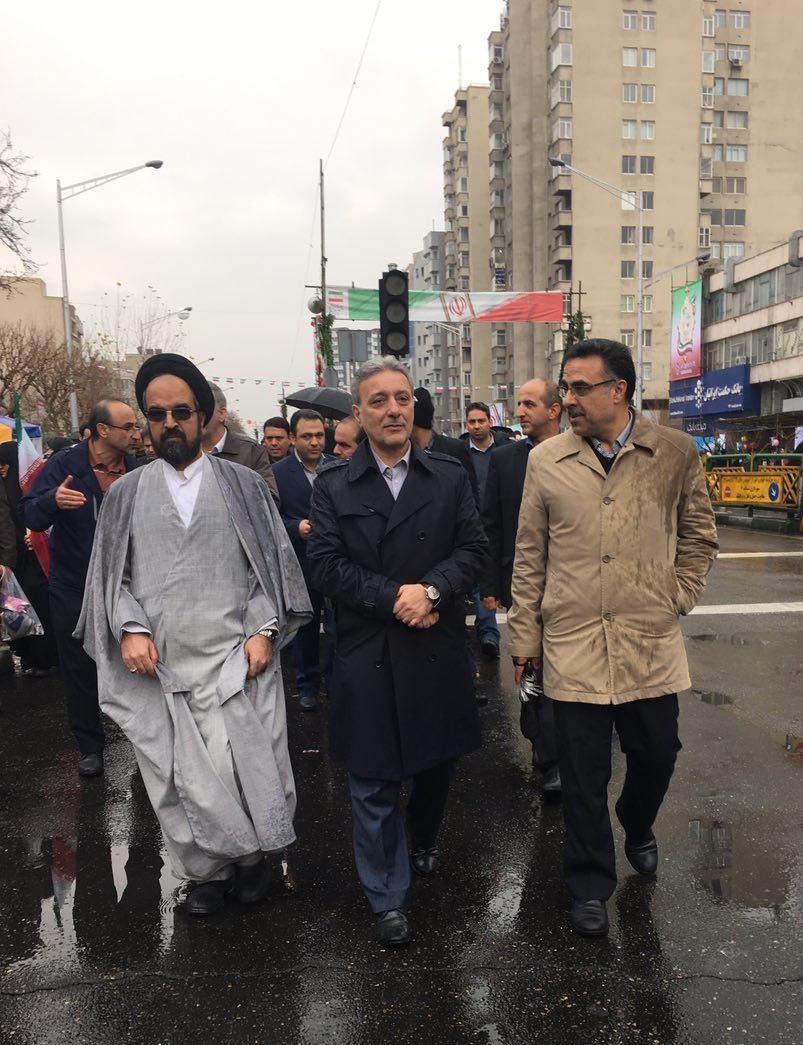 مردم ایران سرمایه و پشتوانه نظام جمهوری اسلامی ایران هستند/ دستاوردهای دانشگاهی جزء بزرگترین افتخارات انقلاب است