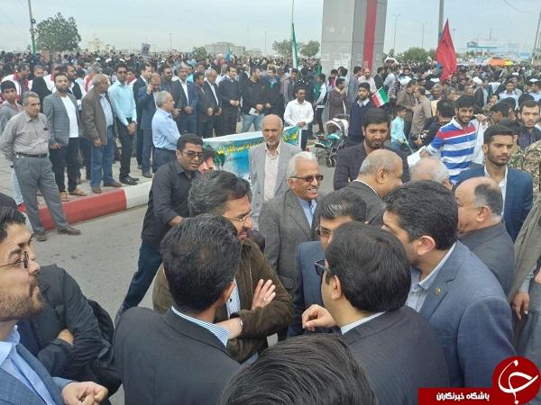 تصاویری از حضور وزیر ارتباطات در راهپیمایی ۲۲ بهمن