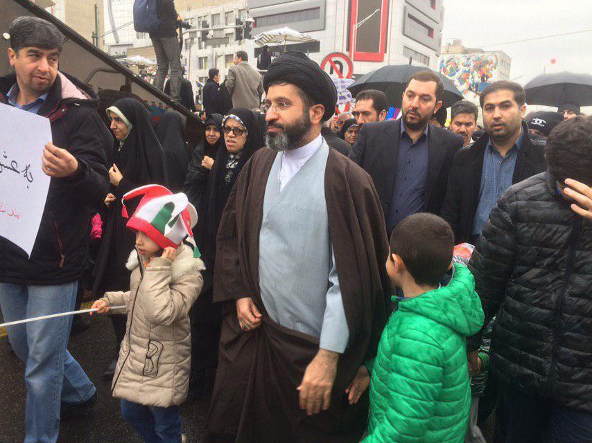 حضور فرزند رهبر معظم انقلاب در راهپیمایی ۲۲ بهمن +تصویر