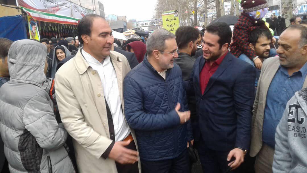 تصاویری از حضور چهره ها در راهپیمایی ۲۲ بهمن ۹۷ +تصاویر