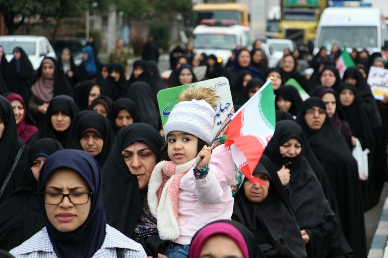 عکس ها و حاشیههای راهپیمایی ۲۲ بهمن ۹۷ در شهرستان های صومعه سرا و چابکسر