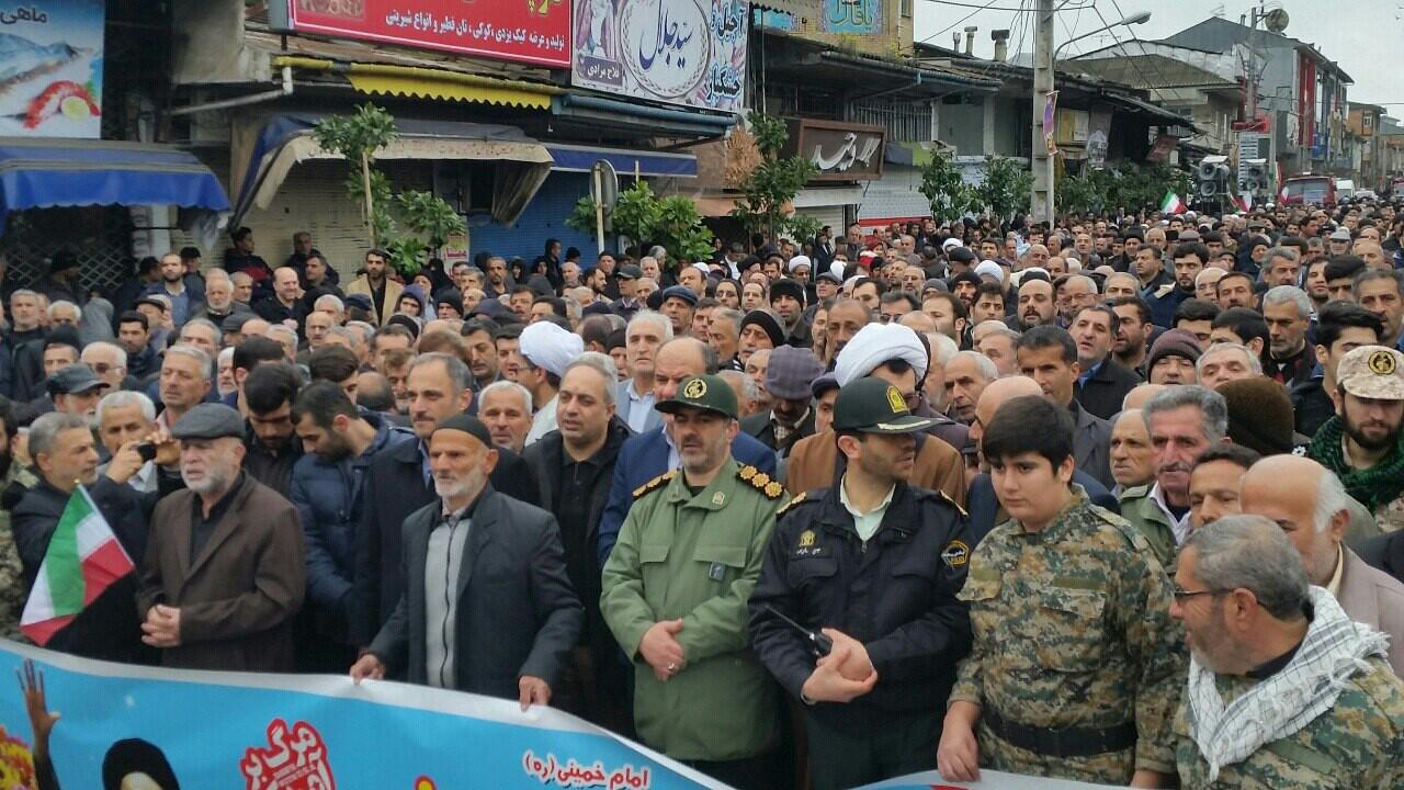 عکس ها و حاشیههای راهپیمایی ۲۲ بهمن ۹۷ در استان گیلان