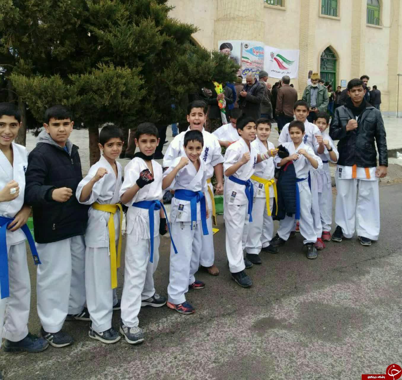 جلوه هایی از حضور جامعه ورزش و جوانان استان کرمان + تصاویر