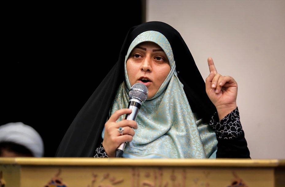 خواهر و خوهرزاده مسیح علی نژاد در راهپیمایی امروز +تصویر