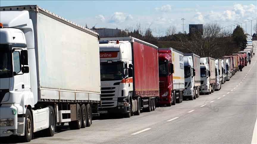 اجرای طرح تُن کیلومتر در تمامی استانهای کشور / مشکل کمبود لاستیک کامیونها برطرف شده است