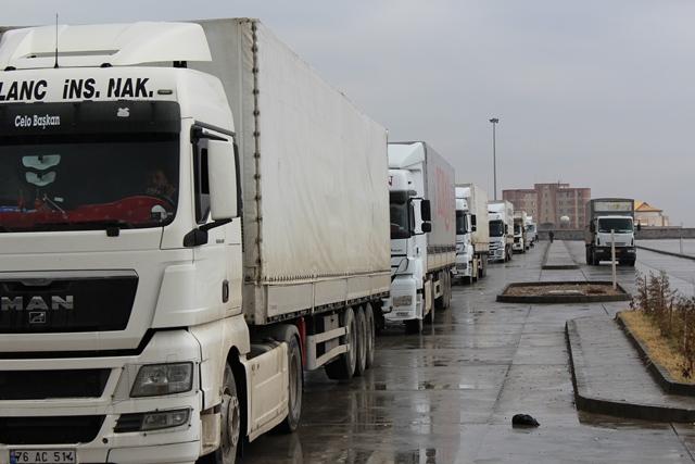 توافق گمرک ایران و ترکیه برای پذیرش روزانه ۴۵۰ دستگاه کامیون
