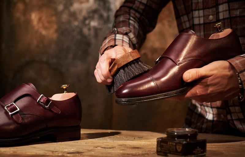 با این ترفندها عمر کفش هایتان را زیاد کنید