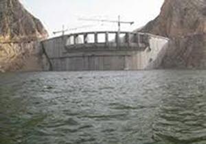 حجم آب مفید ذخیره شده در سدهای فارس ۲۷ درصد است/ آب ذخیره شده پشت ۹ سد فارس حجم مرده است