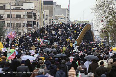 پاسخ دندان شکنی مردم ایران به گستاخیهای مقامات آمریکایی + فیلم