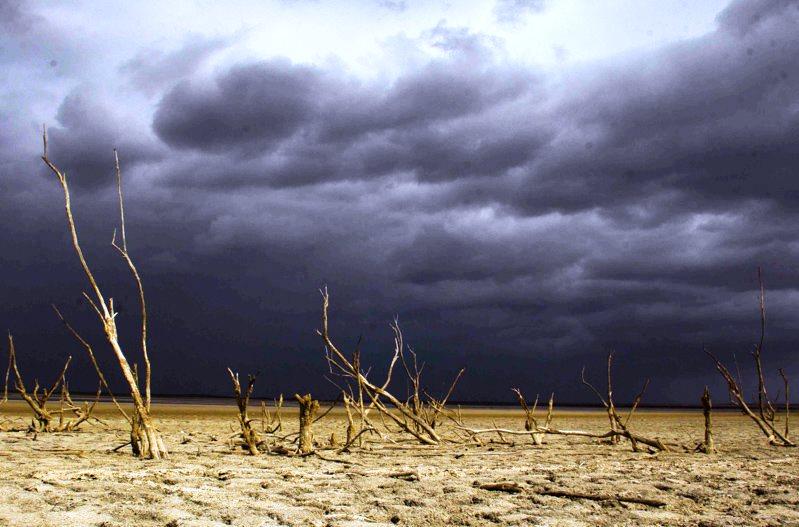 اختلاف هزار میلیمتری بارشها در غرب و شرق ایران/ بارندگیها در ۷ استان کشور منفی است