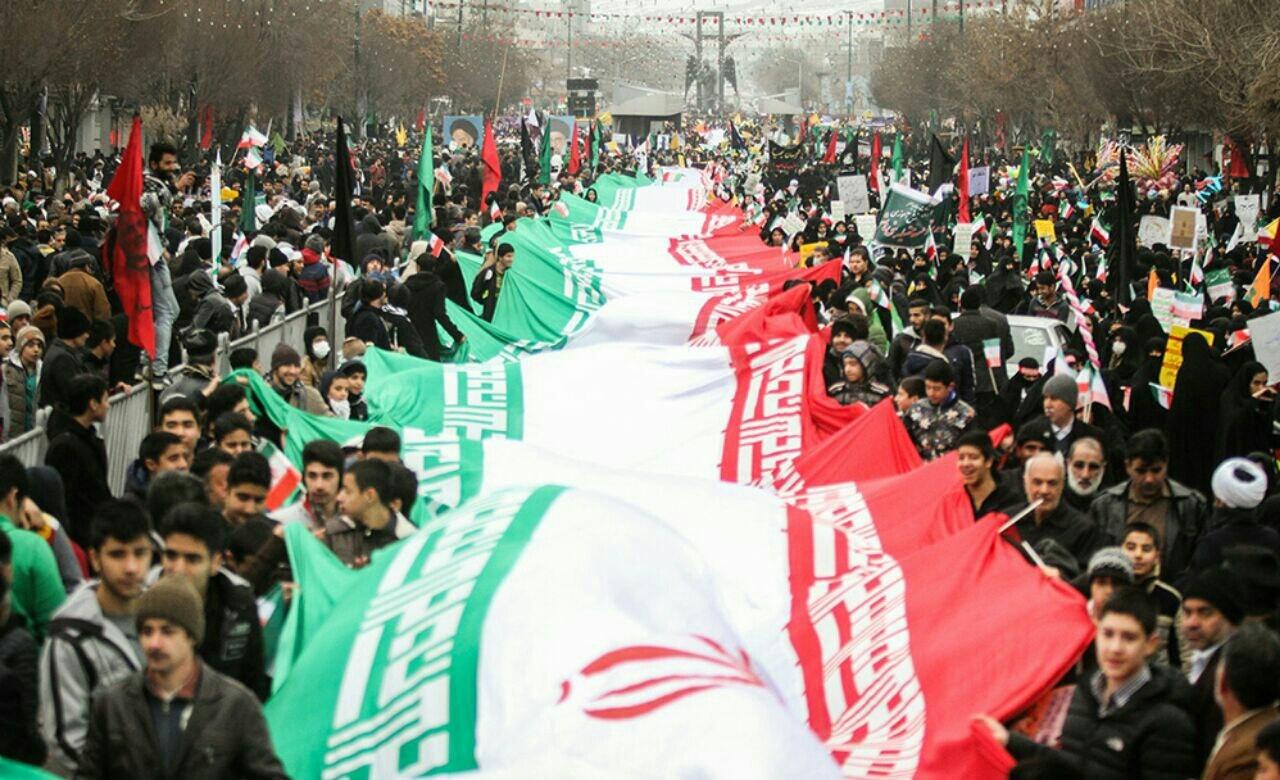 راهپیمایی ۲۲ بهمن برای همگان پیام روشنی داشت/ مراقبت باشیم در نقدهایمان مسئولان را روبهروی جایگاههای ارزشی انقلاب قرار ندهیم