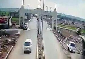 لحظه وقوع انفجار در منطقه مرزی کیلیس میان سوریه و ترکیه + فیلم