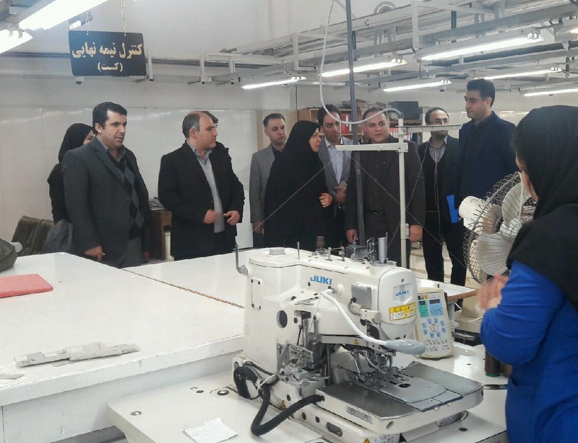 بهسازی کارخانه های نساجی اولویت برنامه های وزارت صمت