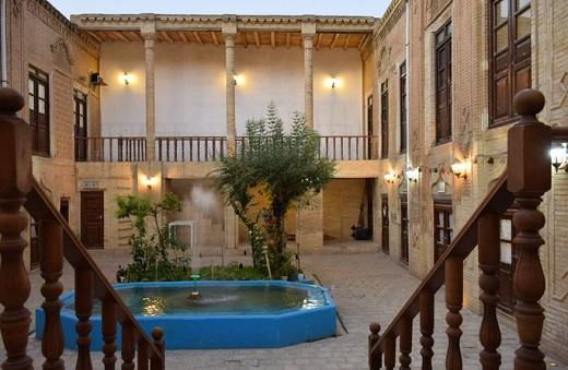 خانه تاریخی قنبریهای اراک مآمن بیش از ۳۰۰ هنرمند