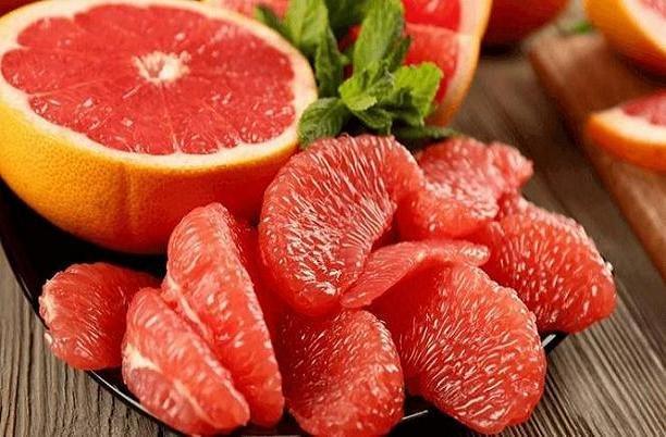 با خوردن این میوه غول اضافه وزن را به زانو در بیاورید